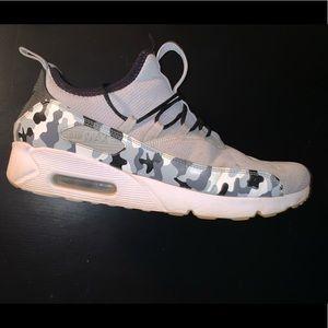 Nike Grey And White Camo Airmax